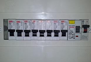 התקנת לוח חשמל